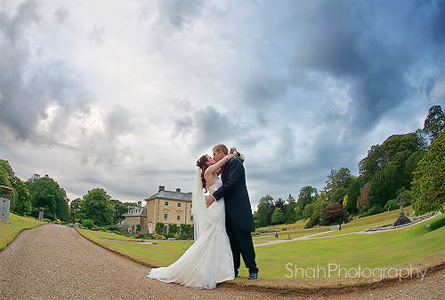 wedding photographer pencarrow house cornwall