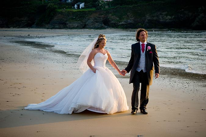 beach wedding photograph in Cornwall by Shah Photography