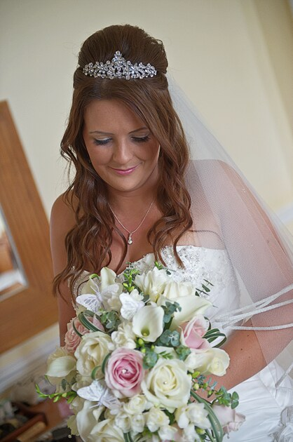 wedding photographer cornwall bridal portrait