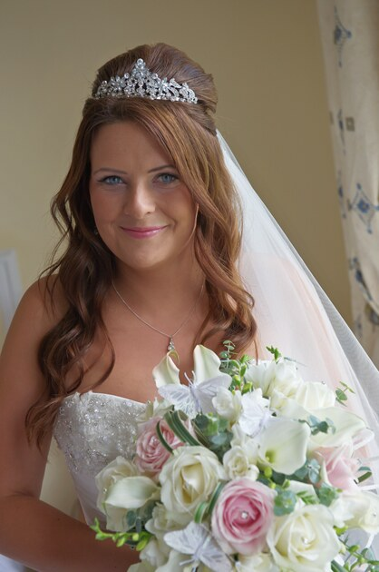 wedding photographer Tregenna Castle st ives bride's bouquet